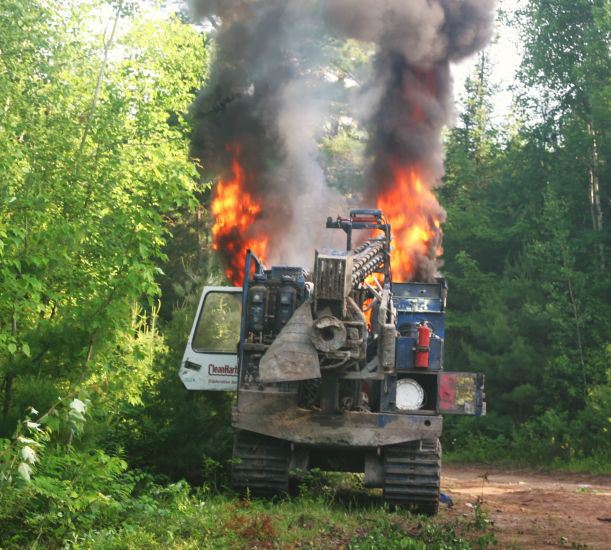 """Halifax Media Co-op reports that a piece of drilling equipment was set ablaze on the 24th, by person or persons unknown. This comes amidst escalating resistance to hydraulic fracturing by indigenous peoples in Elsipogtog, """"New Brunswick""""."""
