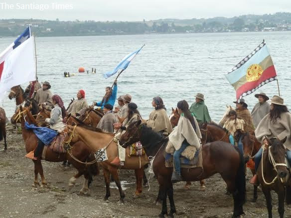The group rode five days from the remote valley to the tourist town of Puerto Varas. Photo by Loreto Rosello / The Santiago Times