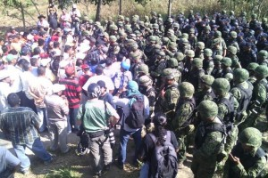 the people of guerrero surround an army barracks, refuse to allow soldiers to leave
