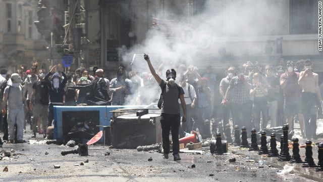 """Anarchist space """"infiAl"""" in Istanbul denounced by fascists, attacked by turkish state"""