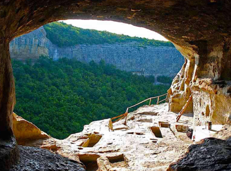 ...this one in Russia looks like Anasazi cliff dwellings in the US Southwest...